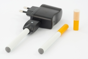 Electronic cigarettes with battery charger