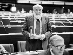 The MEP Altiero SPINELLI during a session in Strasbourg in September 1983.