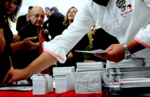 Election in Tunisia (2011) by Amine Ghrabi (CC BY-NC 2.0)