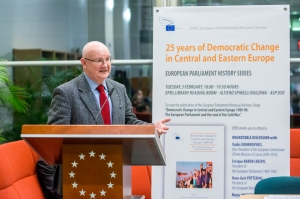 25 years of democratic change in Central and Eastern Europe: The European Parliament and the end of the Cold War