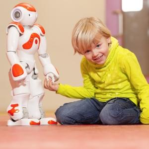 robots-shutterstock_253677439