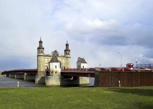 Queen Louise Bridge