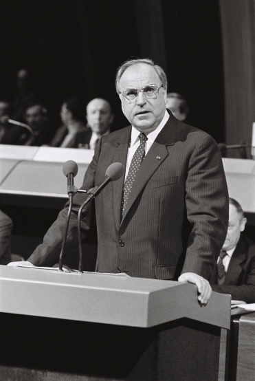 Visit of German Chancellor Helmut KOHL to European Parliament