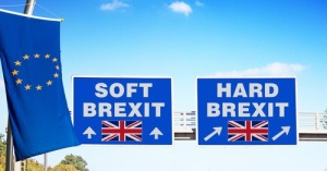 highway board, options HARD or SOFT BREXIT